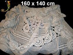 Nagy méretű kézzel horgolt csipke terítő, abrosz 160 x 140 cm