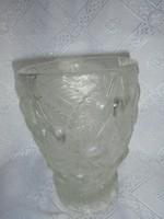 Szecessziós dombor mintás cseresznyés üveg váza