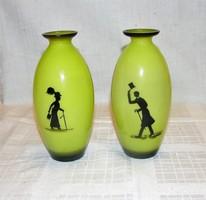 Antik sziluett festésű opál üveg váza pár