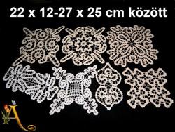 7 db kézzel horgolt különleges csipke terítő 22 x 12 és 27 x 25 cm