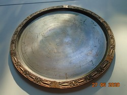 Bronz vagy bronzírozott,dombormintás peremmwel,antikolt nehéz kerek tálca