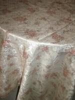 Meseszép vintage rózsás csipkés szélű selyem terítő