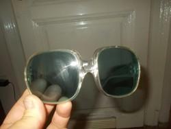 Régi retro női napszemüveg