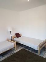 Ágy, fenyő ágy, ágyráccsal és matraccal, 1 honapos