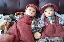 Hollandiai babák rözse padon és kosárba