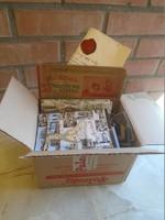 G001  Papírrégiség kartondobozban