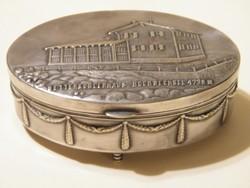 Nagyon szép, régi (1913) ezüst vagy ezüstözött ovális doboz, szelence bársony belsővel