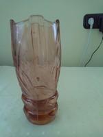 Régi rózsaszín üvegváza.