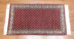 Kézi csomózású indiai szőnyeg