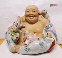 Nevető Buddha gyerekekkel. Az örök fiatalság szimbóluma. Ritkaság a vitrinedbe.