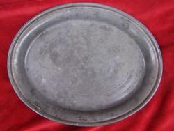 Óntál. Ovális forma. Tükrében finom vésett díszítés és Gizella felirat 20 x 16 cm. Magyar XIX.sz.