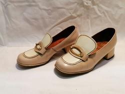 Régi női bőr cipő filmekhez