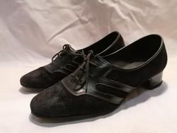 Régi női cipő filmekhez