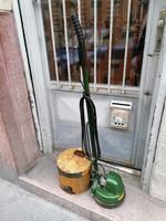 Régi Orosz álló porszívó takarítógép dobozával