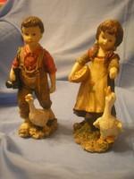 N5 Fiú + lány libával élénk színes bájos szobor együttes 22 cm