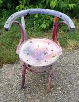 Régi tonett szék, dekorációnak vagy felújításra.II.