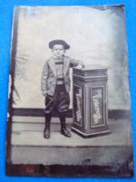 Kisfiú portréja, ferrotípia (cca 1900)