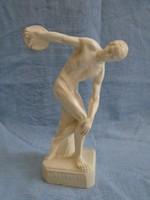Csont vagy csont hatású diszkoszvető figura nagyon finoman és aprólékosan megmunkált darab
