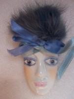 Velencei maszk- fajansz  festett porcelánfajansz  + műszőrme