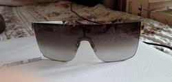 Hibátlan márkás napszemüveg  eladó