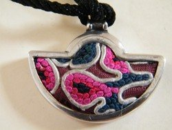 Ezüst vagy ezüstözött egyedi tervezésű medál (Michaela Frei stílusú)