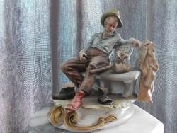 Eredeti antik nápolyi Capodimonte Pihenő vándor, szegényember porcelán