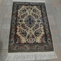 Kézi csomózású Iráni  szőnyeg.96x64cm.Alkudható!