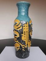 Gyönyörű zsűrizett absztrakt mintás retro kerámia váza, 32 cm