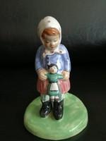 Antik kerámia lámpatest babát tartó kislány figurával