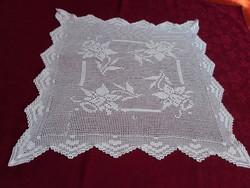 Fehér, kézzel horgolt terítő, 45 x 45 cm