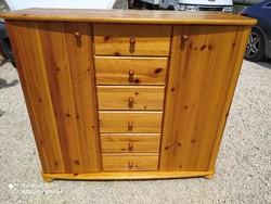 Eladó egy nagy méretű , EXTRA MAGAS 6 fiókos polcos Claudia fenyő komód Bútor szép, újszerű  állapot