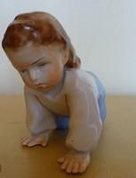 Zsolnai porcelán figura
