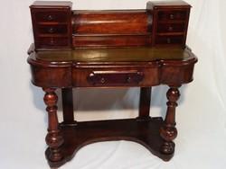 Antik íróasztal,szekreter