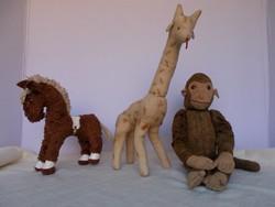 Bájos antik szalma töltetű játékok - majom, zsiráf, lovacska