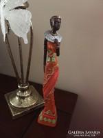 Afrikai női alak, szép életteli színek  Valószínűleg polyrezin SZOMBATHELYEN