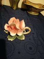 Eladó Capodimonte gyönyörű nagy méretű asztaldísz rózsa!