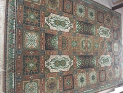 Nagy zöld/barna  gépi perzsa szőnyeg