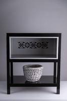 Fekete, szürke betétes kis polcos szekrény