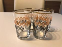 Régi üveg poharak