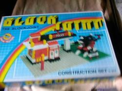 Police lego  dobozában