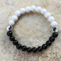 Fehér fekete ónix jin jang uniszex ásvány gyöngy karkötő