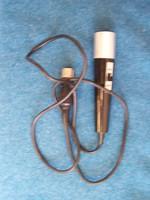 Japán mikrofon 1973 körül  DIN szabványú csatlakozóval. Jó állapotban. Működik.