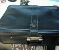 Közepes méretű retro bőrönd, 55 cm * 38 cm