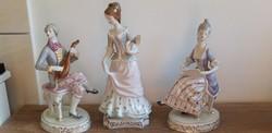Hollóházi porcelán barokk figura lantos legyezős kottaolvasó
