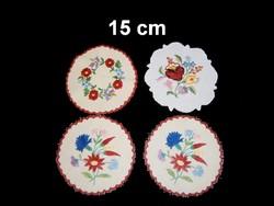 Kalocsai virág mintával kézzel hímzett kerek terítő 15 cm darabra