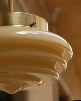 Art deco - Steamline réz mennyezeti lámpa - különleges formájú vajszínű búra