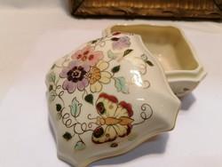 Zsolnay porcelán, pillangós bonbonier, 6,5x10,5x10,5 cm