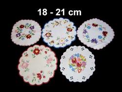 Kalocsai virág mintával kézzel hímzett kerek terítő 18-21 cm darabra