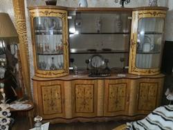 Nappali garnitúra, ágyazható kanapéval + kisasztal két fotellal + állólámpa