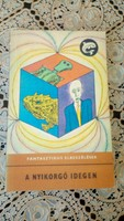 A nyikorgó idegen Delfin könyv